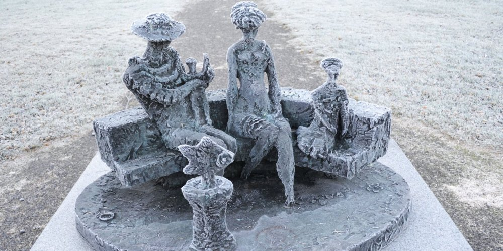 "Kari Juva's sculpture ""Family"""