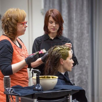 Ecological hair salon services from Hiusmeri. Photo by Jäljen Jättiläinen