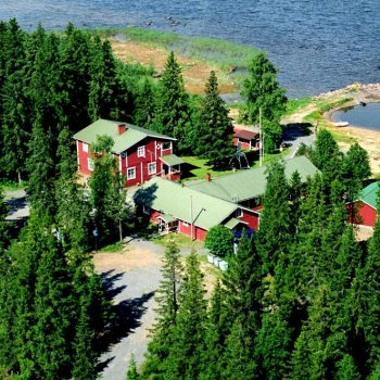 Pattijoen Veteraanimajat is located close to nature by the sea.