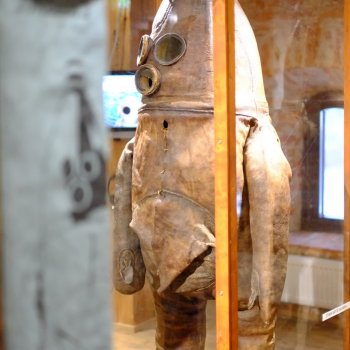 The oldest diving suit in the world at the Raahe Crown Granary