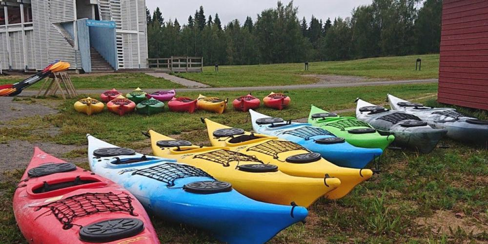 The kayaks are ready for kayakers at the Pikkulahti Paddling Centre.