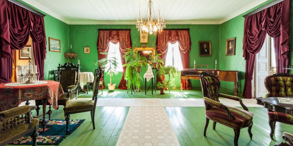 Green ambience in the drawing room of the Sovelius House